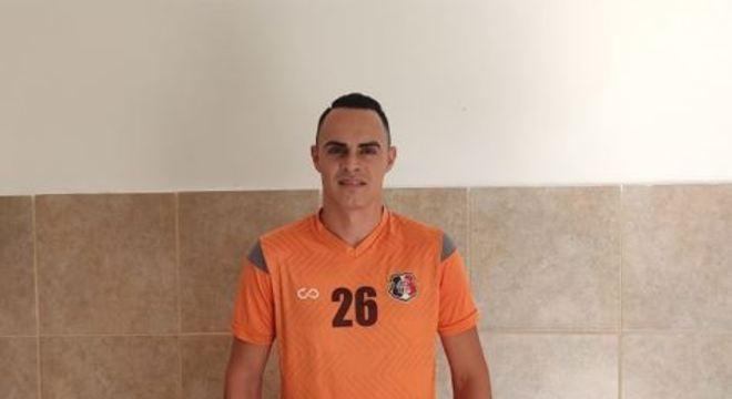 O centroavante fez sua estreia com a camisa coral na última quarta-feira, na vitória por 2x0 sobre o Afogados, no Sertão