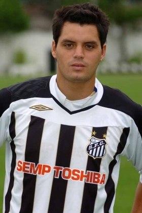O chileno Sebastián Pinto veio como esperança de gols para o Santos. Entretanto, foi outro a não corresponder na Vila Belmiro. Fez oito jogos, marcando somente dois gols.