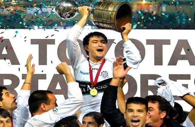 O clube paraguaio é tricampeão do torneio e o último título (representado na imagem) foi em 2002, quando venceu o São Caetano nos pênaltis, no Pacaembu.