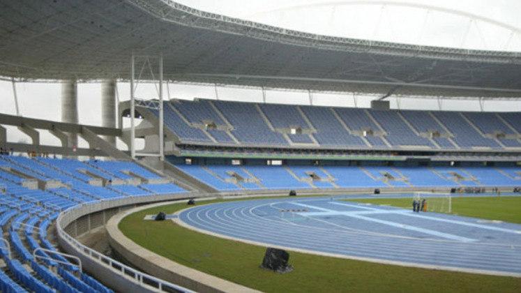 O clube, porém, teve um baque em 2013. Por ordem de Eduardo Paes, então prefeito do Rio de Janeiro, o Engenhão, estádio do Botafogo, foi interditado pela Prefeitura. A justificativa era de que o estádio tinha rachaduras e falhas no teto. O Alvinegro