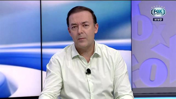 O comentarista Leandro Quesada deixou o Fox Sports. Ele estava no canal desde 2016 e ficou conhecido por suas participações no 'Expediente Futebol'.