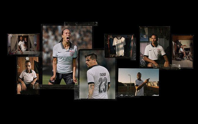O Corinthians lançou neste domingo sua nova camisa nº 1. Em ação da Nike, fornecedora de material esportivo, o uniforme foi mostrado em um programa da Band, com Neto e Ronaldo Giovanelli, já que o modelo é em homenagem ao título brasileiro de 1990. Veja imagens: