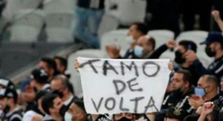 O Corinthians teve ingressos em sua Arena com valor médio de 50 reais. Com o segundo ingresso mais caro entre os dez, o clube teve o segundo maior público médio do país em 2019: 34.039 pagantes em 32 jogos.