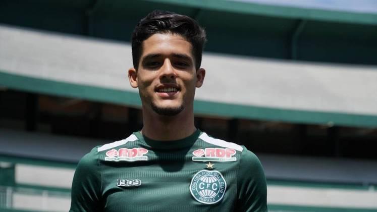 O Coritiba foi outro clube que lançou três jogadores da base e utilizou nesta temporada.  Yan Couto (lateral-direito, 17 anos), Natanael (lateral-direito, 18 anos) e Kazu (zagueiro, 20 anos), atuaram com os profissionais.
