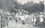 O corredor Alfredo Gomes foi o porta-bandeira do Brasil nos jogos de 1924, em Paris. Primeiro vencedor da tradicional São Silvestre, ele disputou a prova de cross-country na olimpíada parisiense.