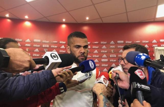 O craque deu poucas entrevistas desde que chegou, sendo a mais forte em 29 de novembro, após vitória sobre o Vasco. Disse que há partidos políticos no clube, que
