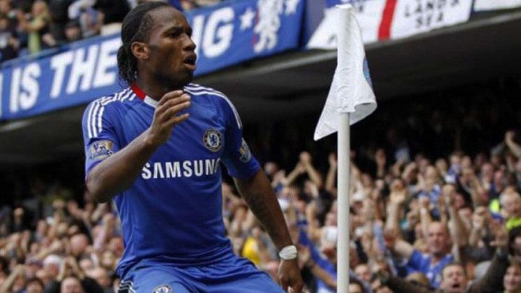 O craque marfinense Didier Drogba, ídolo do Chelsea, chegou aos 14 gols em 24 jogos disputados na Liga dos Campeões.
