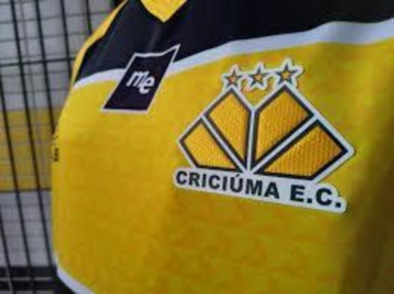 O Criciúma tem três estrelas em seu escudo, que representam conquistas importantes do clube. A Copa do Brasil  de 1991, a Série B de 2002 e a Série C de 2006.