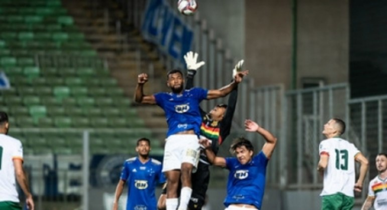 O Cruzeiro empatou o segundo jogo seguido em casa e está muito longe do G4 da Série B