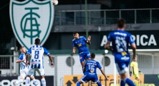 O Cruzeiro sofre com o CSA desde 2019 e na temporada 200, também teve dificuldades contra os alagoanos