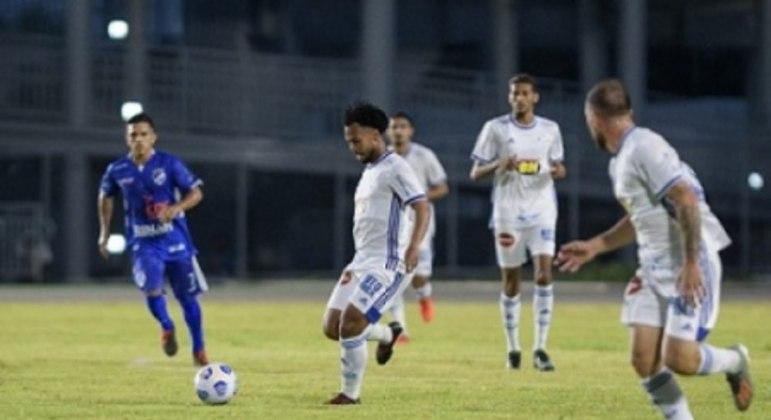 O Cruzeiro sofreu novamente contra o São Raimundo, que fez sua primeira partida em 2021