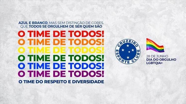 """O Cruzeiro também fez uma arte com as cores da bandeira LGBTQIA+ e pediu para que todos se """"orgulhem de quem são"""". A Raposa também escreveu que são azul e branco mas """"sem distinção de cores""""."""