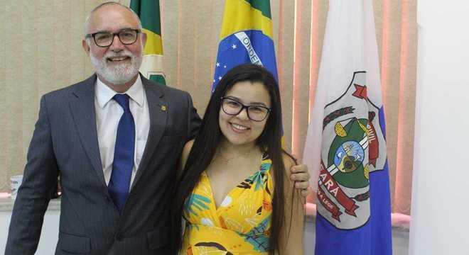 O delegado Marcus Rattacaso e a escrivã Tárgilla Brito