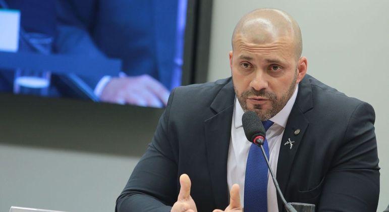 O deputado Daniel Silveira vinha cumprindo prisão domiciliar desde março