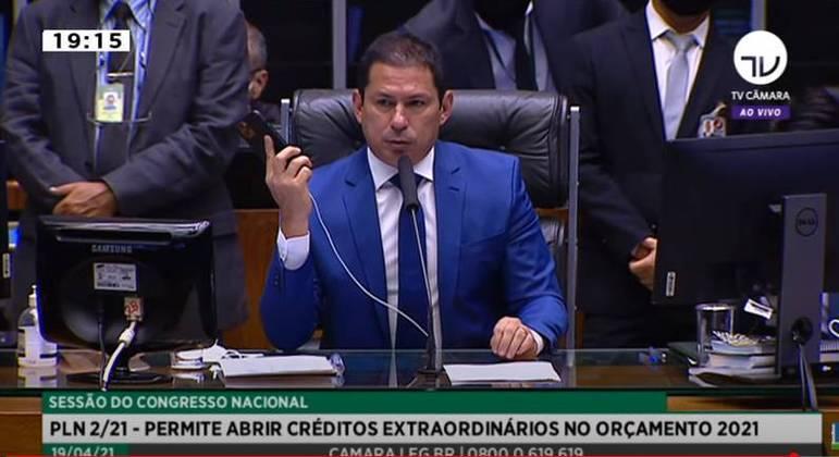 O deputado Marcelo Ramos (PL-AM), que comandou sessão do Congresso