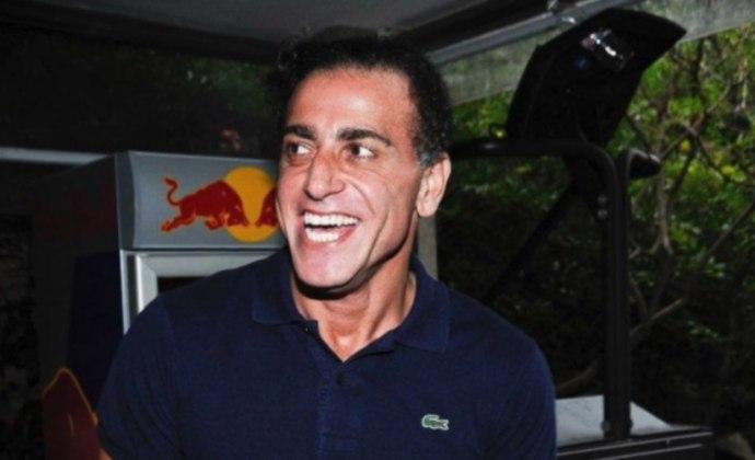 O empresário André Cury, olheiro do Barcelona e responsável pela ida de Neymar ao clube, foi confirmado com o Covid-19.