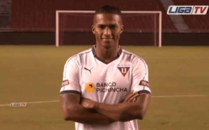 O equatoriano Antonio Valencia, de 35 anos, vale 2,5 milhões de euros (R$ 16,5 milhões) no mercado. Ele estava na LDU, mas já jogou por Manchester United e Villarreal.