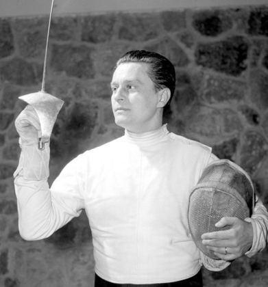 O esgrimista Aladar Gerevich é o esportista húngaro mais laureado na história dos Jogos Olímpicos de verão. Ao todo, ele faturou dez medalhas, sendo sete delas de ouro
