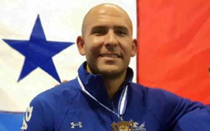 O esgrimista Arturo Dorati, do Panamá, também testou positivo.