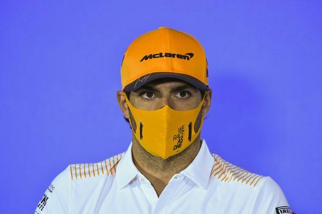 O espanhol Carlos Sainz, da McLaren, está de transferência marcada para a Ferrari em 2021