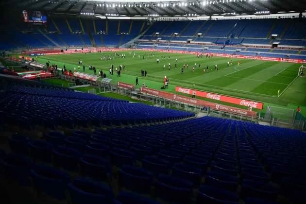 O Estádio Olímpico de Roma, com capacidade para 72.698 pessoas, terá de 25% a 33% da capacidade liberada para o público (entre 18.174 e 23.990 pessoas). Receberá jogos da fase de grupos e das quartas de final.