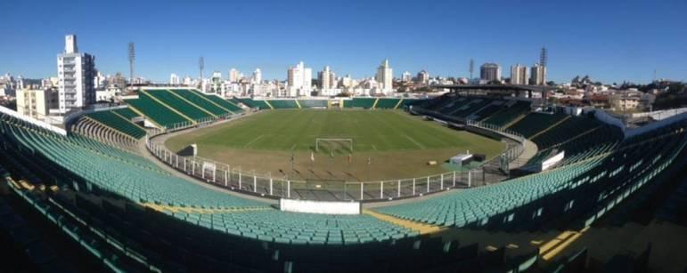 O estádio Orlando Scarpelli, casa do Figueirense, está localizado em Florianópolis e foi inaugurado em setembro de 1960, há quase 60 anos.