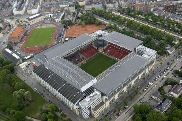 O Estádio Parken, com capacidade para 38.065 pessoas, terá de 25% a 33% da capacidade liberada para o público (entre 9.516 e 12.561 pessoas). Receberá jogos da fase de grupos e das oitavas de final.