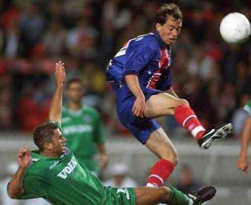 O ex-atacante Adailton defendeu o PSG entre 1997 e 1998, mas apesar da rápida passagem, ganhou três títulos: Supercopa da França, Copa da Liga Francesa e Copa da França