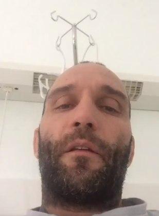 """O ex-atleta italiano de MMA Cristian Binda, de 42 anos, também testou positivo para a doença. Ele ficou internado e descreveu o cenário da UTI como pior do que o """"Círculo do Inferno"""", de Dante Alighieri."""
