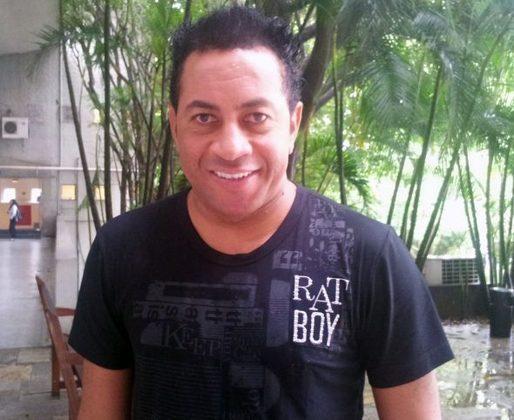 O ex-jogador se aposentou em 2011 após uma carreira de sucesso nos clubes paulistanos. Depois de deixar os gramados, Júnior abriu restaurante de comida mediterrânea em Belo Horiozonte