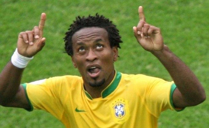 O ex-jogador Zé Roberto, que atuou com Robinho na Seleção Brasileira, afirmou estar chocado com as declarações. 'É lamentável que uma pessoa que sempre passou uma imagem de pureza, alegria, irreverência, passe esse outro lado', disse em participação no SporTV.