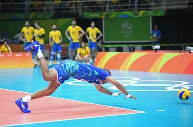 O ex-líbero Escadinho é o recordista absoluto de medalhas olímpicas entre jogadores de vôlei brasileiros. O atleta paraense foi bicampeão com a Seleção nos Jogos de Atenas 2004 e Rio de Janeiro 2016. Nas edições de Pequim 2008 e Londres 2012, ele fez parte da equipe que ficou com a medalha de prata.