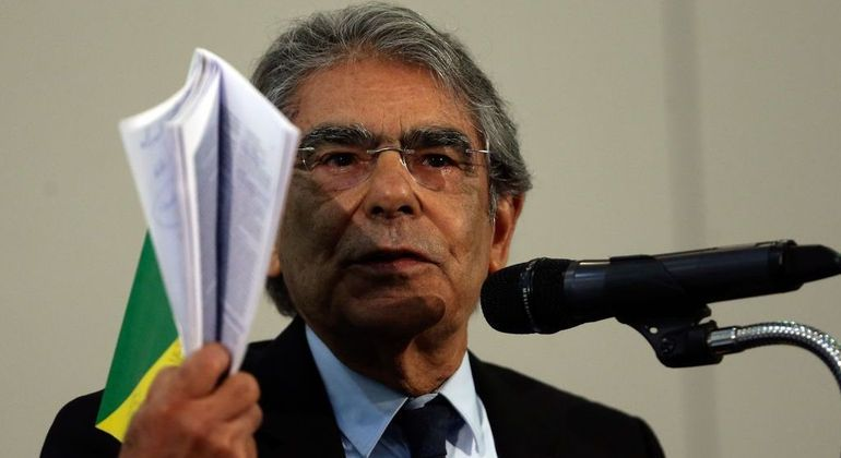 O ex-ministro do STF Carlos Ayres Britto presidiu a comissão da OAB: relatório tem 24 páginas