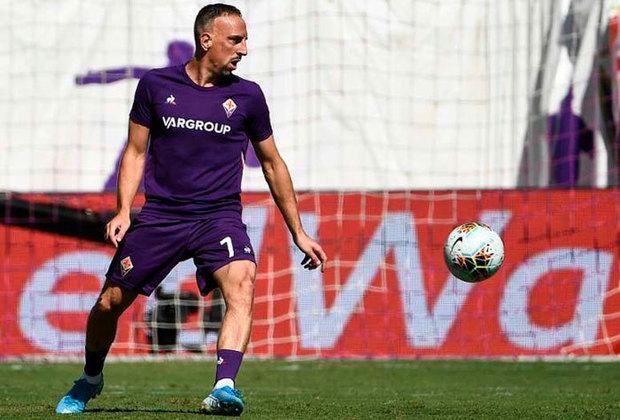 O experiente jogador Franck Ribery, de 37 anos, também tem contrato com a Fiorentina somente até junho desse ano.