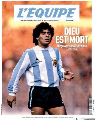 O falecimento de Diego Maradona foi destaque no noticiário mundial nesta quinta-feira (26). Através de suas capas e títulos especiais, jornais do mundo inteiro prestaram uma última homenagem ao craque argentino. Confira algumas delas!