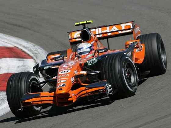 O filho Markus fez apenas uma corrida na F1, em 2007, mas ficou eternizado por levar a fraca Spyker a liderança da chuvosa corrida em Nürburgring