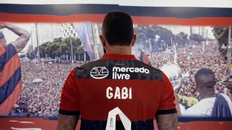 O Flamengo acertou nesta semana o patrocínio do Mercado Livre, que ficará estampado nas costas da camisa a partir deste sábado. Confira, a seguir, a evolução dos patrocinadores do Rubro-Negro desde a década de 1980.