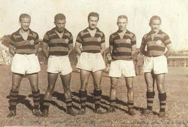 O Flamengo aplicou a maior goleada na história do duelo: um 7 a 0, em junho de 1945. Pirillo (4), Tião (2) e Adilson marcaram os gols para o Rubro-Negro na partida disputada em São Januário