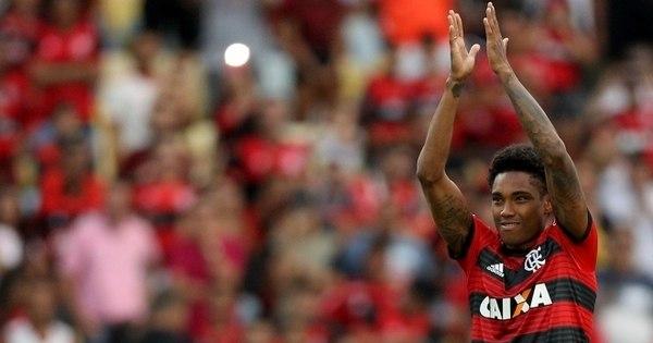 8198c9b21b Flamengo goleia Sport por 4 a 1 e segue líder do Brasileirão - Esportes -  R7 Esportes