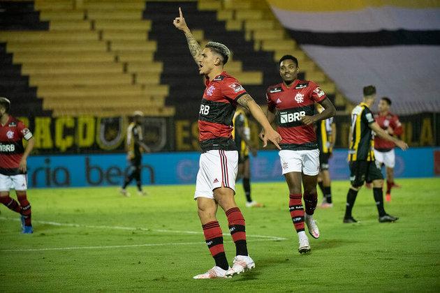 O Flamengo colocou um pé na final do Carioca. Neste sábado, a equipe venceu o Volta Redonda por 3 a 0 pelo jogo de ida das semifinais. Pedro, autor dos três gols, foi o grande destaque da partida. Confira as notas a seguir! (Por Lucas Pessôa - lucaspessoa@lancenet.com.br)