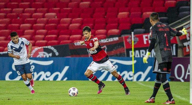O Flamengo deixou a desejar na sexta e última rodada do Grupo G da Libertadores. Empatou em 0 a 0 com o Vélez Sarsfield, no Maracanã, avançou às oitavas em primeiro lugar, mas apenas Diego Alves mereceu ser destaque no apático time. Confira as notas a seguir! (Por Lazlo Dalfovo - lazlodalfovo@lancenet.com.br)