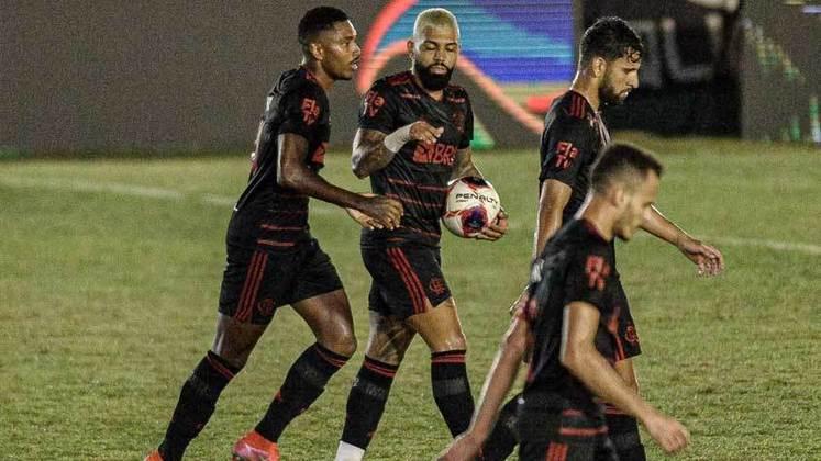 O Flamengo dominou o Boavista, mas isso não foi o suficiente para sair com o resultado positivo. Em partida válida pela sexta rodada do Campeonato Carioca, em Bacaxá, o Rubro-Negro e o Verdão de Saquarema empataram por 1 a 1. Jean Victor abriu o placar para os donos da casa com um belo gol, mas Vitinho deu números finais à partida.