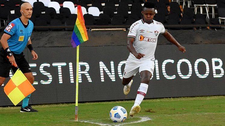 O Fluminense empatou com o Corinthians em 1x1, nesta tarde, em São Januário, pela 7ª rodada do Campeonato Brasileiro. Com o empate, o Tricolor chegou a 10 pontos. Autor do gol, Cazares recebeu maior nota; Abel, que foi expulso, e Luccas Claro, que cometeu o pênalti, receberam as menores.