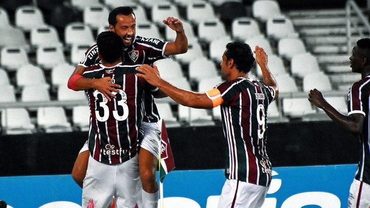 O Fluminense fez uma grande partida e venceu o Goiás por 3 a 0 na noite deste domingo, no Nilton Santos, pela 33ª rodada do Brasileirão. Nino e Martinelli, duas vezes, marcaram os gols da vitória. O moleque de Xerém foi um dos destaques da partida, ao lado de Nenê, que teve uma de suas melhores atuações pelo clube. (Por Leonardo Sanfilippo)