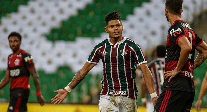 Evanilson acredita que Fluminense foi muito superior ao Flamengo no Maracanã