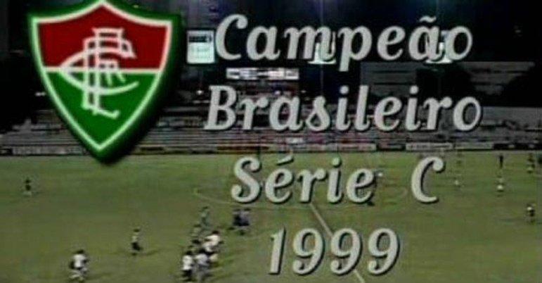 O Fluminense também sofre zoações por ter sido o único clube dos 12 do primeiro escalão do futebol brasileiro a jogar a Série C