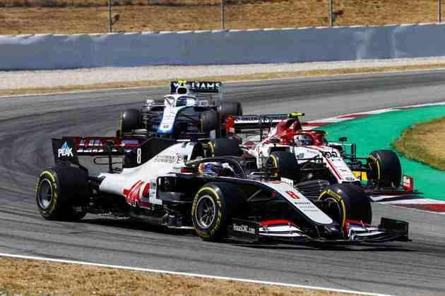 O francês ficou muito irritado com o desempenho do carro na corrida