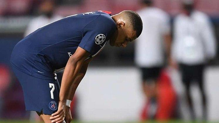 O francês Mbappé foi outro a lamentar a derrota na decisão. O jovem de 21 anos ainda quer saber como é o gostinho de conquistar a Champions e, claro, terá outras oportunidades. Levanta a cabeça, garoto!