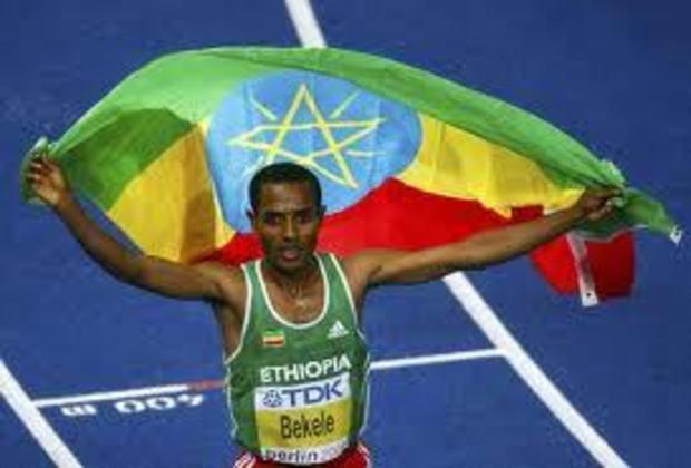 O fundista etíope Kenenisa Bekele tornou-se uma lenda do atletismo olímpico ao quebrar os recordes dos 5.000 e dos 10.000 metros nos Jogos Olímpicos de Pequim, na China, em 2008.