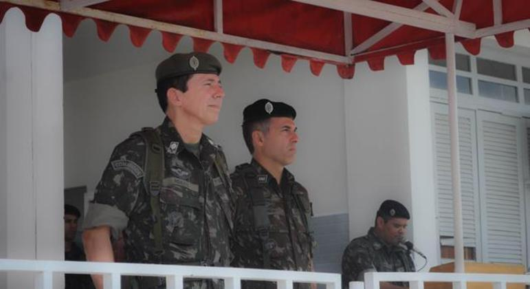 O general Ridauto Lúcio Fernandes (à esq.) está no ministério desde janeiro